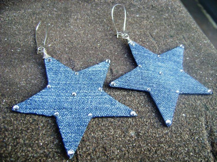 riciclo-creativo-stoffa-orecchini-forma-stelle-realizzati-vecchi-jeans-gancino-argento