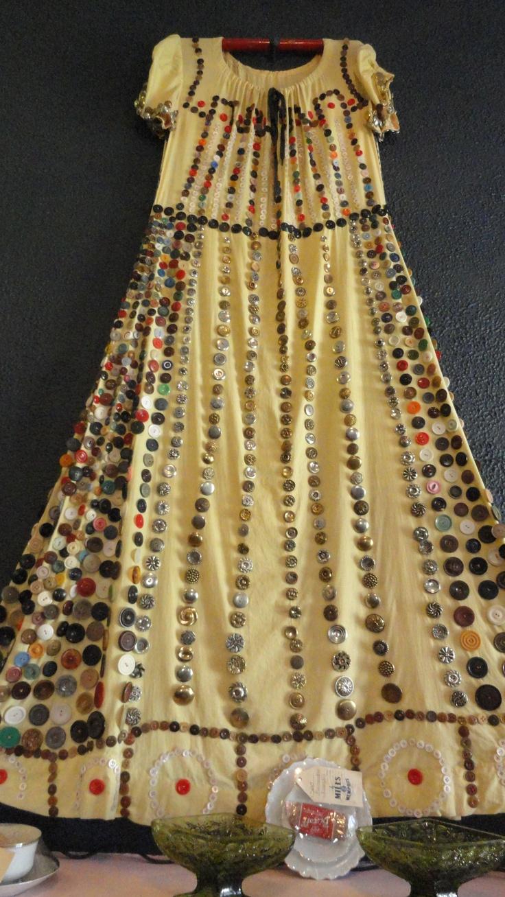 ButtonArtMuseum.com - Amazing Hand Sewing to Create Button Art