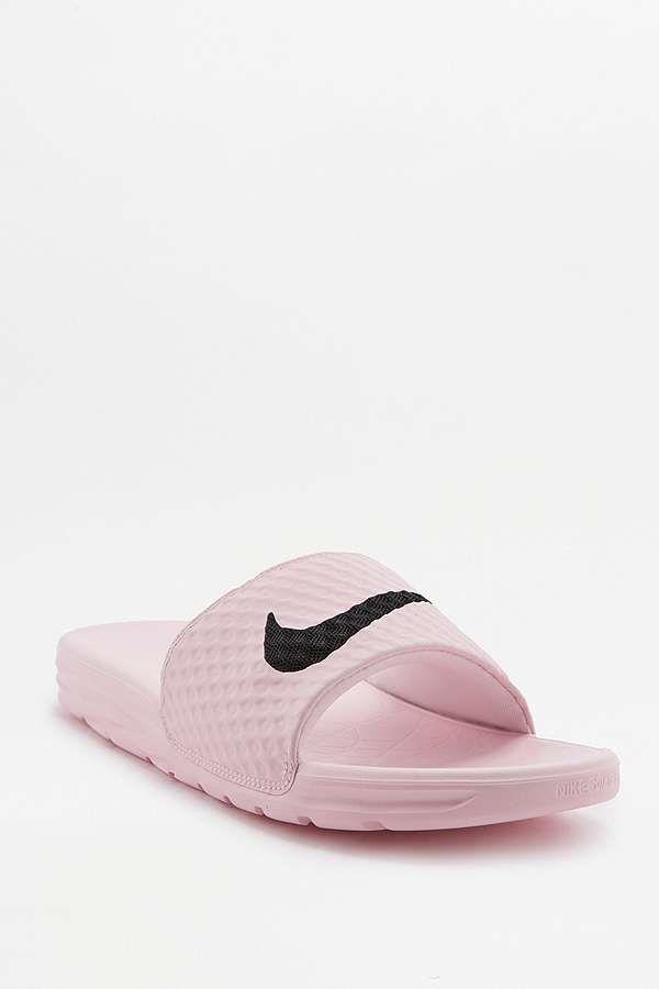 Slide View: 1: Nike - Claquettes Benassi roses