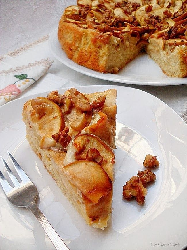 Pastel de manzanas reineta con nueces y canela