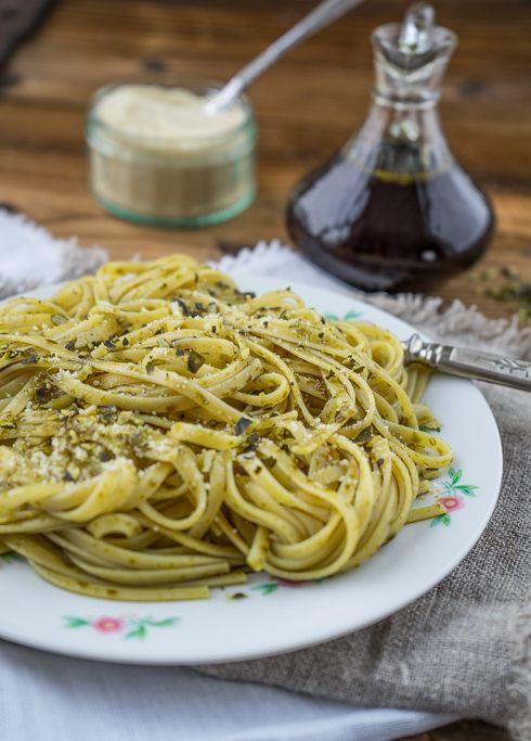 Kürbiskernöl - Spaghetti mit gerösteten Kürbiskernen - Gaumenpoesie