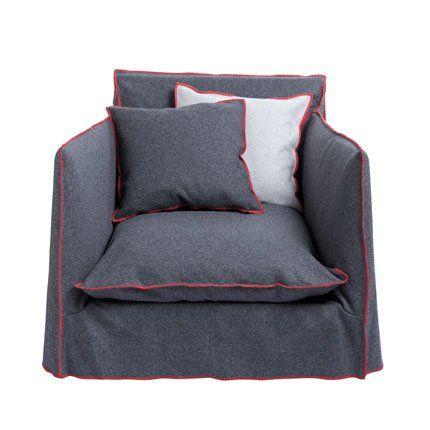en negre puedes ver la butaca ghost de paola navone para. Black Bedroom Furniture Sets. Home Design Ideas