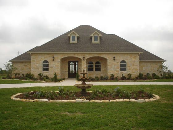 texas ranch homes - love this, but just the door in the middle with one cut out opening in front