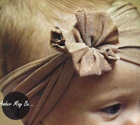 Ridiculously Easy No Sew Baby Headband, doesn't have to be for baby! Might just make for myself!
