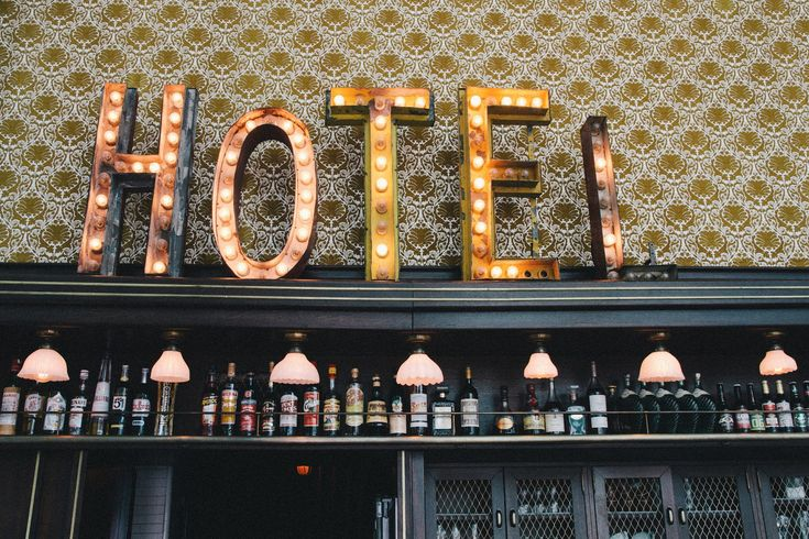 Hotel rivington sons 70percentpure vintage wallpaper for Vintage hotel decor