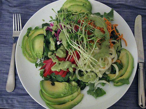 Top 26 Raw Vegan Salad Recipes | Raw Vegan Power: http://rawveganpower.com/recipes/raw-vegan-salad-recipes/