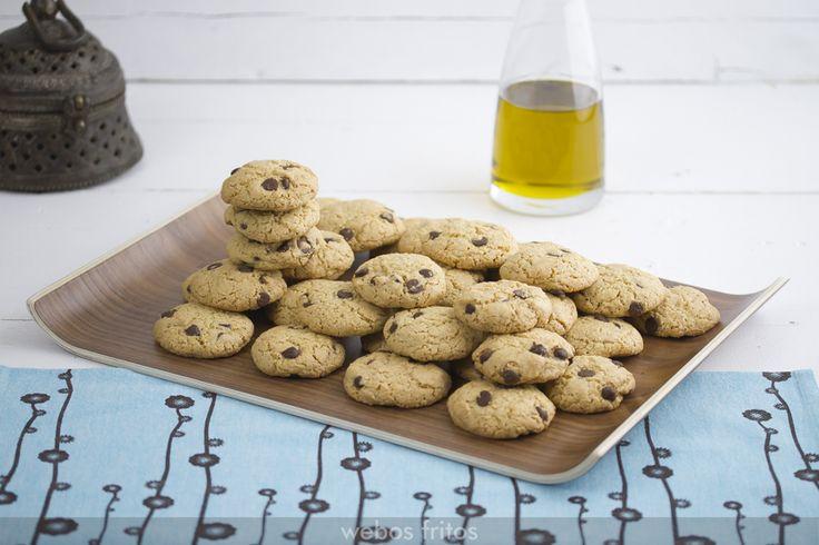 Hoy te presento una receta de cookies con aceite de oliva virgen extra, ideales para los que no podáis tomar mantequilla y os gusten este tipo de galletas.