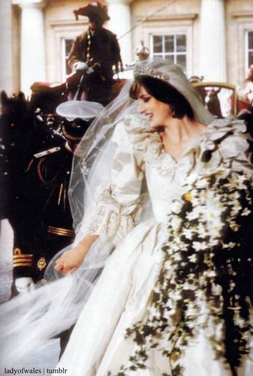 218 best Princess Diana Wedding images on Pinterest | Princess diana ...