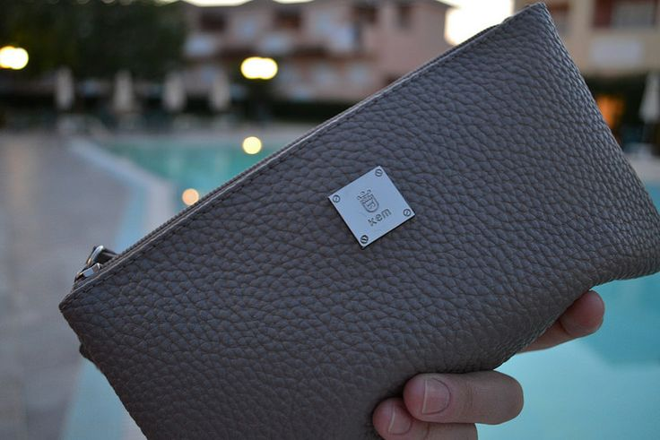 DSC_0111 me, summer, traveling, zakynthos, pool, hotel, dress, white, outfit, smile, straight hair, bf, kem, grey, wallet, purse