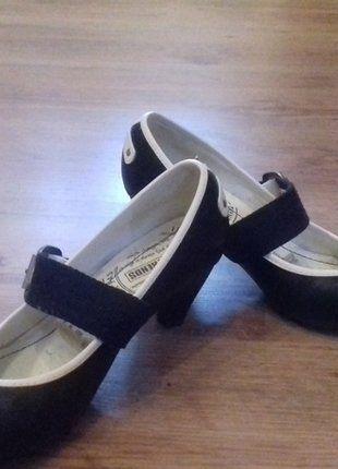 Kaufe meinen Artikel bei #Kleiderkreisel http://www.kleiderkreisel.de/damenschuhe/sonstiges/139354795-pumps-schwarz-weiss