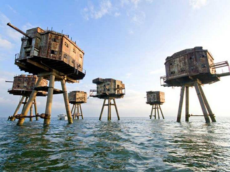 Fuertes marinos Arenas Rojas, Reino Unido
