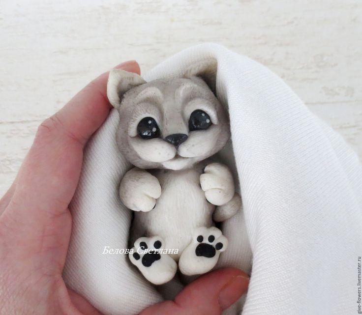 Купить Котёнок - белый, котенок, серый котенок, милый котик, котёнок из глины, котенок в подарок