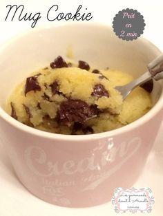 Dans la série des Mug recettes, je demande le cookie! A manger tiède, c'est une pure merveille! Ingrédients: 1 CS de beurre fondu (15g) 1 CS rase de sucre blanc 1CS rase de sucre cassonade 3 gouttes d'extrait de vanille 1 pincée de sel 1 jaune d'oeuf...