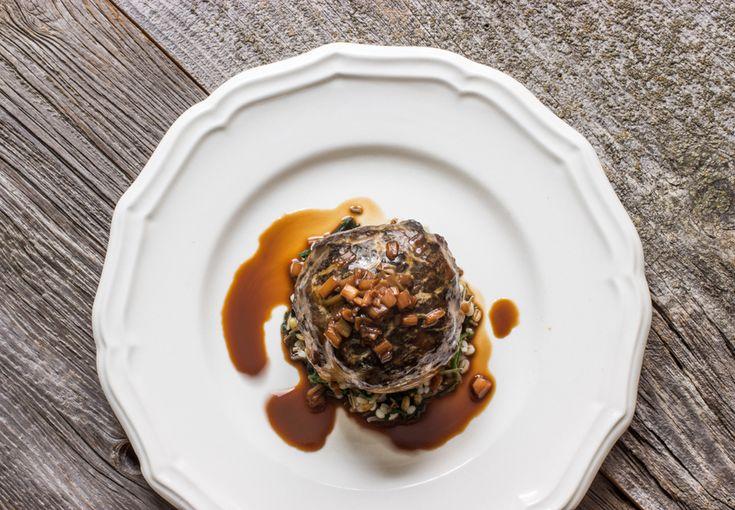Beef filet en crepinette with morels and grains_-8