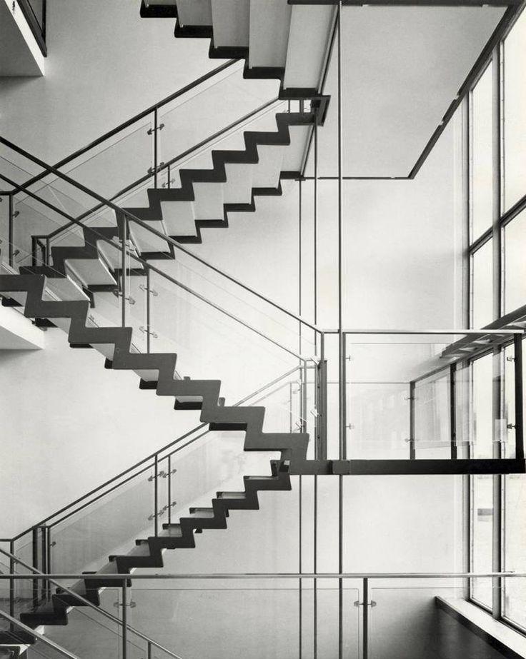 Arne Jacobsen                                                                                                                                                                                 Más                                                                                                                                                                                 Más