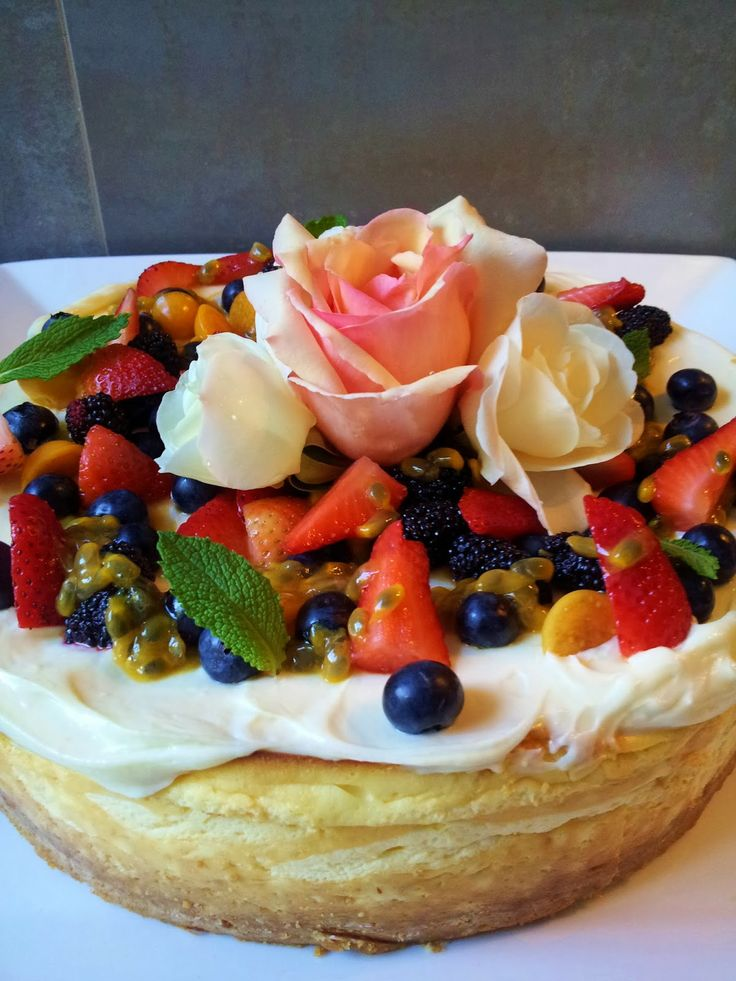 HangoverChef's Food: Baked Cheesecake with Cream Cheese Icing and fresh...