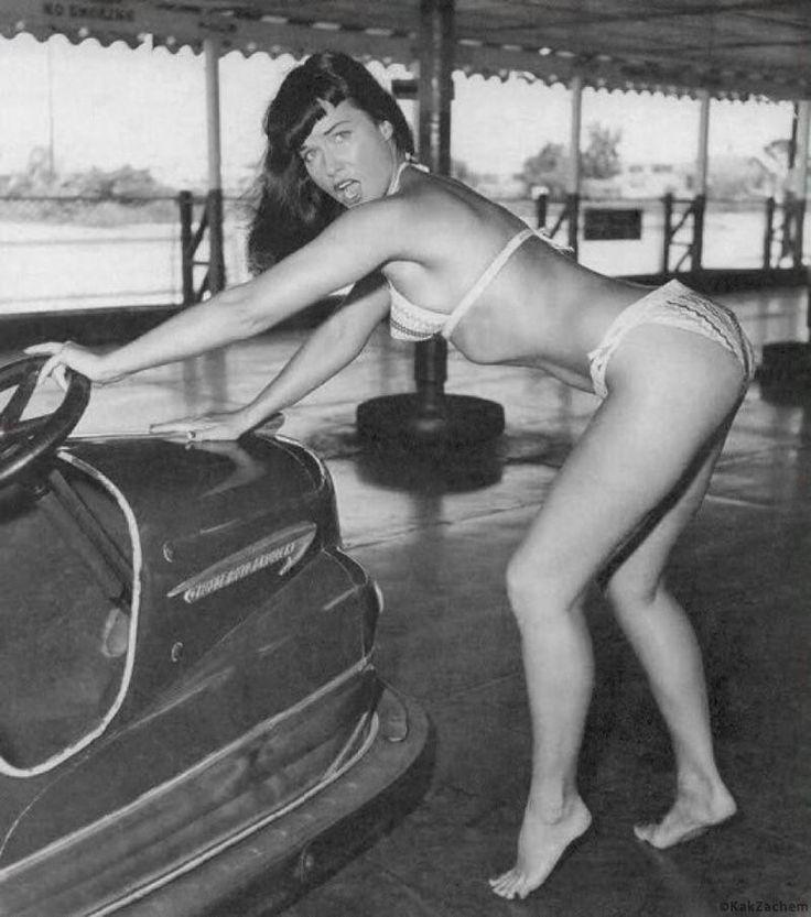 Одна из первых «подружек журнала Playboy» и «королева пин-апа» Бетти Пейдж