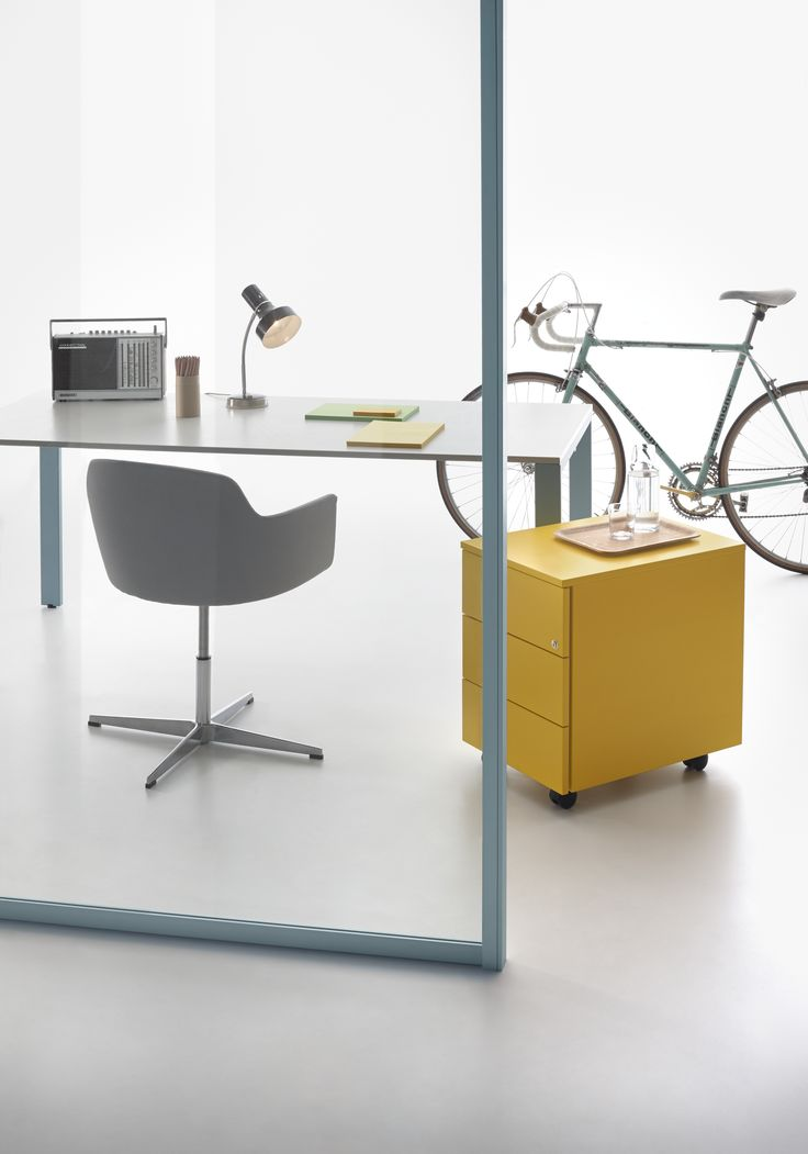 Wallsystem partition with Acquamarina profile #humanoffice #focusoncolor