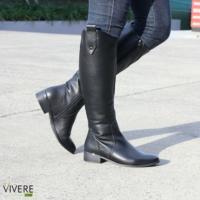Use e abuse das botas nesses dias de inverno, elas são super elegantes e charmosas! 👢😍 www.viverestore.com.br #VivereStore #Botas #Ramarim #Estilo #Conforto #Inverno