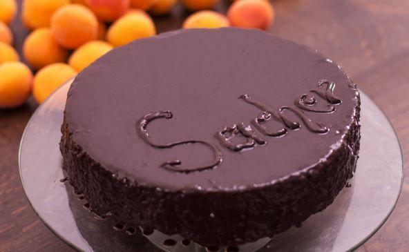 Sacher Torte, το τέλειο βιεννέζικο γλυκό (Video)