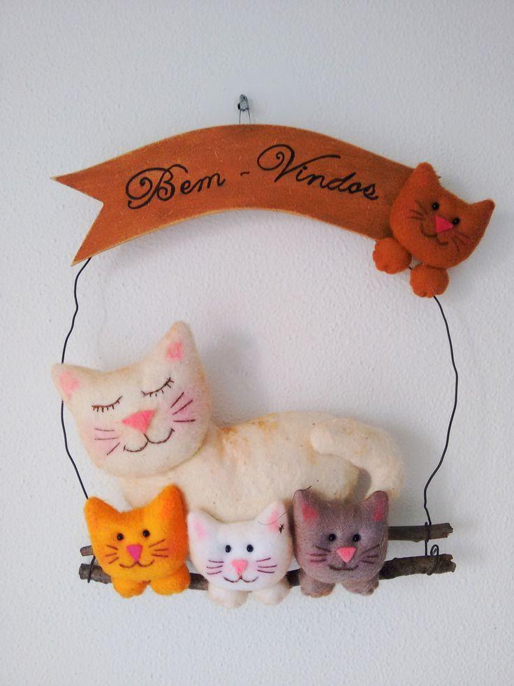 Placa de Porta Bem Vindos com aplicação de Gatinhos em feltro