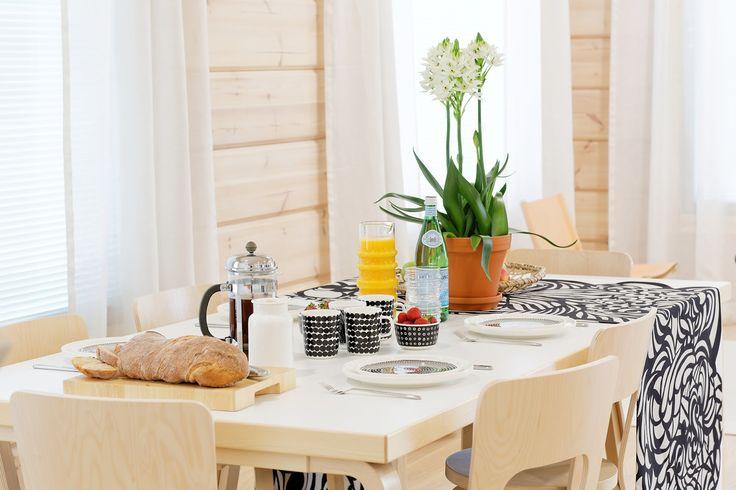 Puu on uusi valkoinen - kuvia Kontion asuntomessukohteesta / Pieni talo Helsingissä