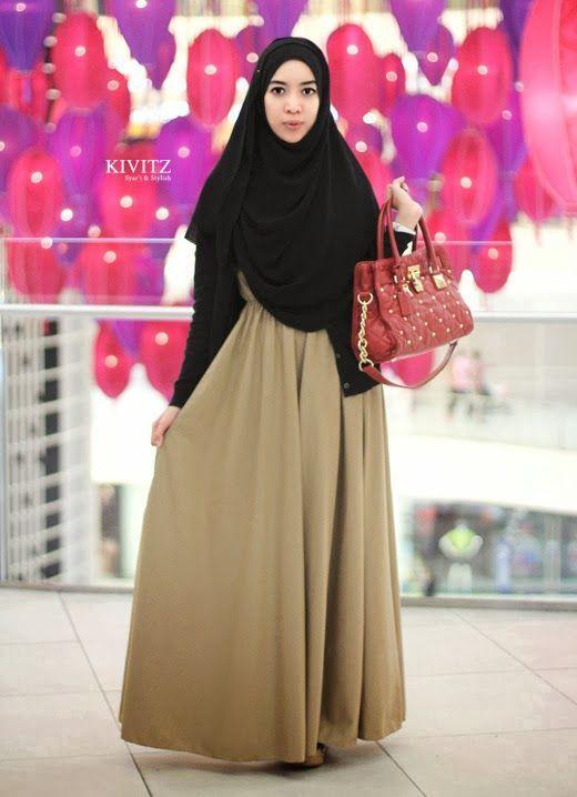 Assalamu'alaikum    Setelah sebelumnya saya memakai Basic Dress terbaru dari KIVITZ yang berwarna deep brown , sekarang saya memakai yang be...