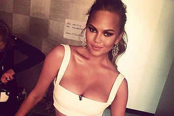 This Is What Model Chrissy Teigen's Stretch Marks Look Like