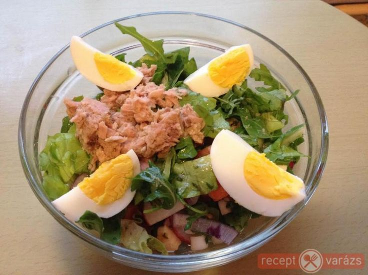 Tonhalas saláta tojással