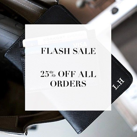 "FLASHSALE 💥 ENTER ""FLASHSALE25"" AND GET 25% YOUR ENTIRE ORDER.. Hurry, hurry - only available for a limited time. Visit www.deriwe.com to get your personalized travel essentials, link in bio @deriweofficial 🛩 #deriwe #flashsale"