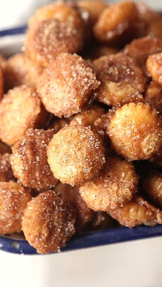 Salty Churro Toffee Snack Mix. This is SO crazy addictive and delicious! Salty/Sweet/Cinnamony/Buttery. PERFECT for parties!