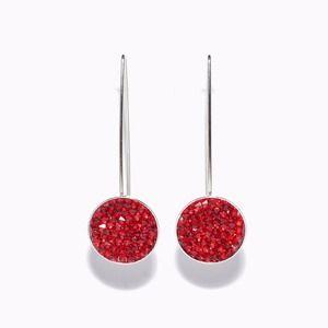 """Boucles d'oreille pendantes argentées et palets """"crystal rock"""" swarovski rouges"""