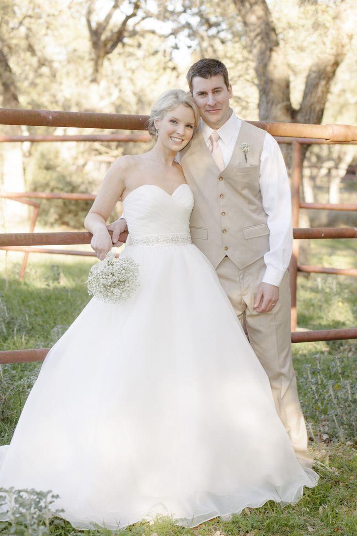 Farmhouse Wedding. Her dress though.