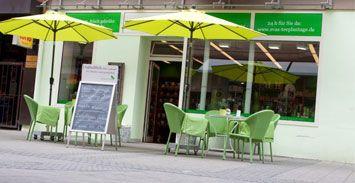 Das familiengeführte Teefachgeschäft Evas Teeplantage in Nürnberg gibt es seit 2009 auch mit Onlineshop. Über 500 Teesorten im Sortiment. Spezialisiert auf hochwertige Grüne und Schwarze Teesorten mit zahlreichen säurearmen Tees oder Tee ohne Koffein. #MomPreneursAdventsbasar