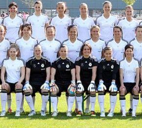 Die Vorrunden-Spiele auf einen Blick - Spielplan Frauen-WM - Bis zum 17. Juli kicken 16 Teams bei der Fußball-Weltmeisterschaft der Frauen 2011 um den Pokal. Hier siehst du den Spielplan der Vorrunde!