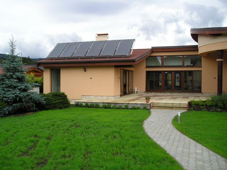 THERMO|SOLAR poradí vo všetkom, čo sa týka podpory zariadení OZE.  Skúsenosti z doterajších troch kôl národného projektu na podporu zariadení na využívanie obnoviteľných zdrojov energie (OZE) Zelená domácnostiam ukazujú, že najväčšou chybou záujemcov o poukážky na podporu OZE je, že nekomunikujú včas s registrovanými zhotoviteľmi týchto zariadení. Najväčší slovenský výrobca slnečných kolektorov THERMO|SOLAR Žiar túto komunikáciu považuje za prioritu.