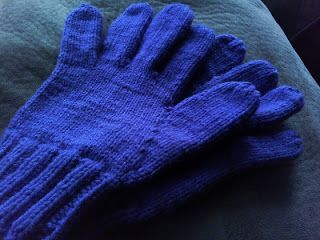 They Are All of Me: Easily Adjustable Knitted Glove Pattern
