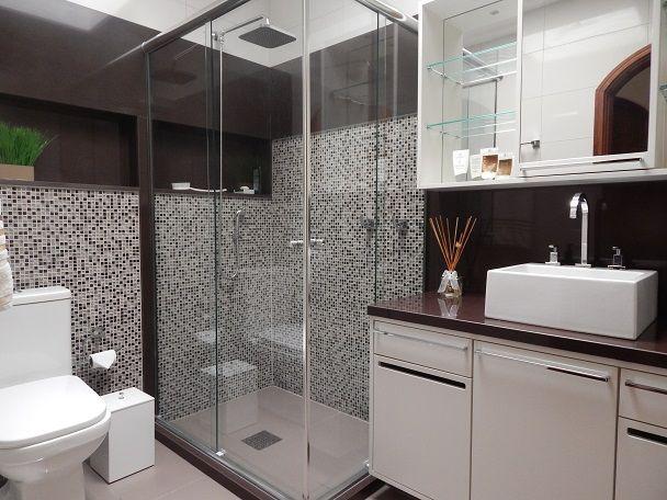 Projeto de Reforma Banheiro Masculino em Granito Marrom Absoluto por Ambientta Arquitetura - Arq. Fernanda Fleck e Larissa Bassi.  Visite o site www.ambientta.com.br