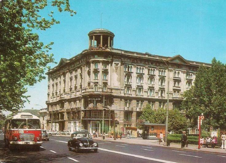 1975r.  Krakowskie Przedmieście 42/44 - Hotel Bristol