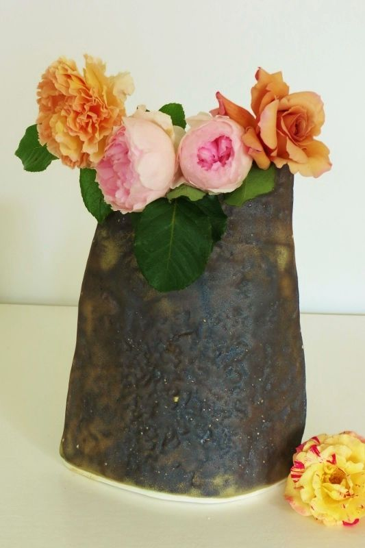 A #crown of #roses in our tall #LifefromtheRock #vessel. #Lovingourgarden See more @ our #PonsonbyCentral #Pop-up Dec 12-18 #akl Don't forget, 10% of your purchase from us goes to one of our charities - you choose!  #handmade #nzmade #christmasshopping #christmaspresents #socialventure #socialconscience #ethicalshopping #supportlocal #nzceramics #dogood #dogoodeffortlessly #homegrown #makeadifference #sarabantree #uniquegifts #handmadegifts #meetthemaker #happychristmas