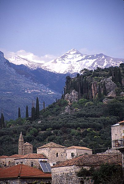 Google Image Result for http://www.nybg.org/botany/mori/ecotours/Crete_06/Greece_Mani/Kardamili/Kardamili_mountain.jpg