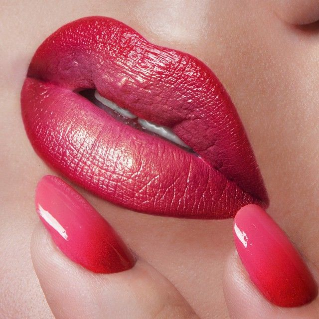 'Stalker' OCC Lip Tar mixed with 'Hollywood' OCC Lip Tar Metallic, lined with 'NSFW' OCC Pencil.  On Nails: 'Grandma' & 'NSFW' OCC Nail Lacquer.