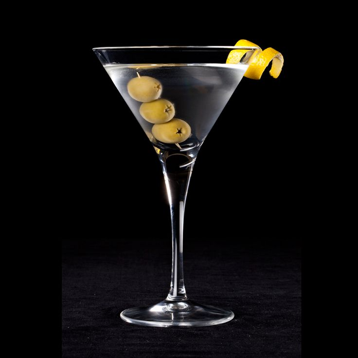 Nobody quite knosw who invented the Martini, but this gin/vodka and vermouth mix is one of the most adaptable cocktails around.