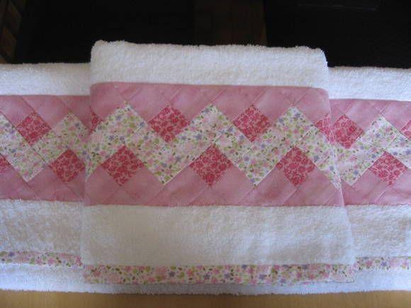 conjunto de toalhas 2 peças com aplicação em seminole tecido 100% algodão R$ 70,00
