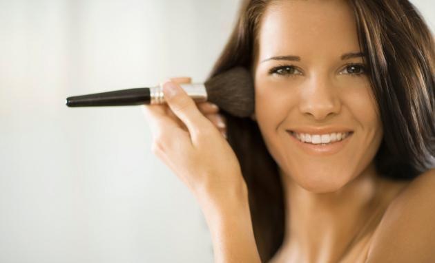 maquillaje duradero para piel grasa