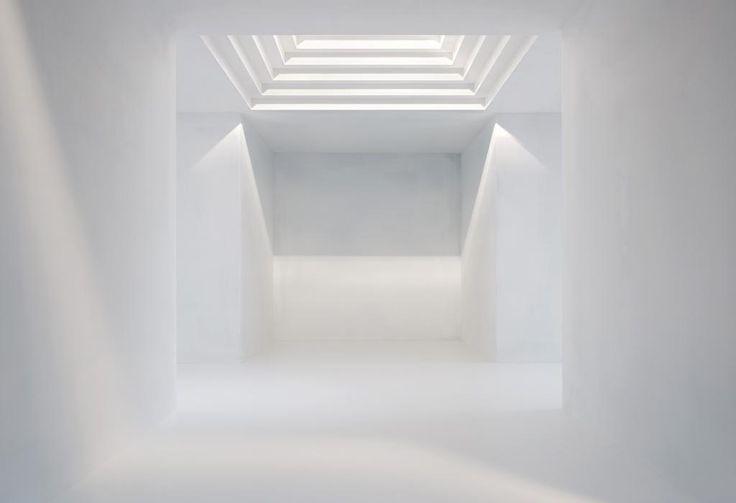 Gioberto Noro-White Cross