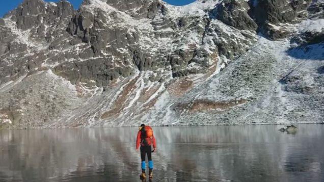 Zamiast górskich wycieczek, wybrali spacer po tafli jeziora. http://tvnmeteo.tvn24.pl/informacje-pogoda/ciekawostki,49/zamiast-gorskich-wycieczek-wybrali-spacer-po-tafli-jeziora,152189,1,0.html