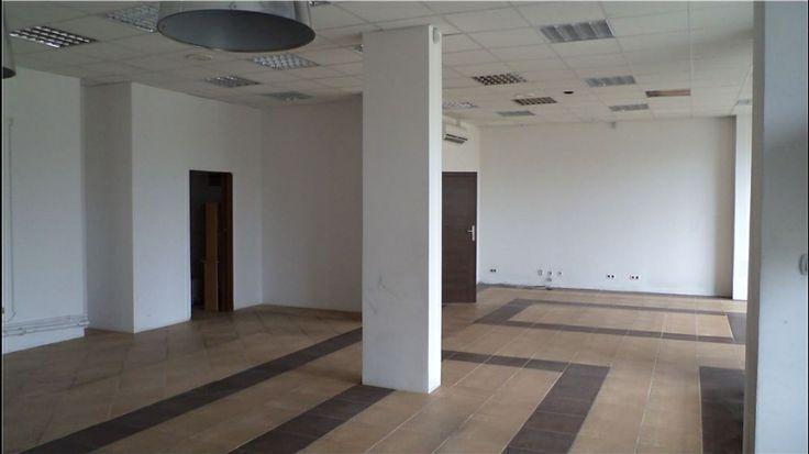 Lokal na wynajem w Miasteczku Wilanów 104 m2 - parter, witryna, wejście od ulicy