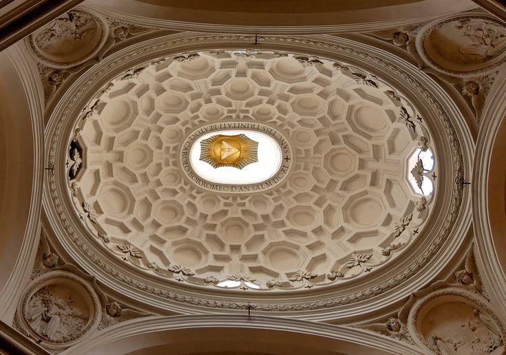 BAROK. Kościół S. Carlo alle Quattro Fontane w Rzymie (Francesco Borromini, 1634-1665). Kopuła eliptyczna.