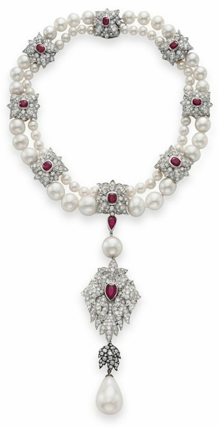 The pearl has a fascinating history so to be renamed #Peregrina:50.6carats mounted on a necklace of rubies, diamonds & pearls, it was discovered in Panama in the16th Century  to King Philip II of Spain by the governor.  It was raised by queens who occupied the throne of Spain.In1808 when Bonaparte sent it to his wife Julia Clary in Paris.In1969 La Peregrina was auctioned in the USA: the Spanish Royal House deny the authenticity of the gem. Liz Taylor received it from her husband R.Burton